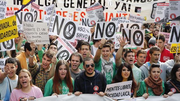 Sindicato-Estudiantes-prepara-asambleas-huelga_TINIMA20140319_0709_5