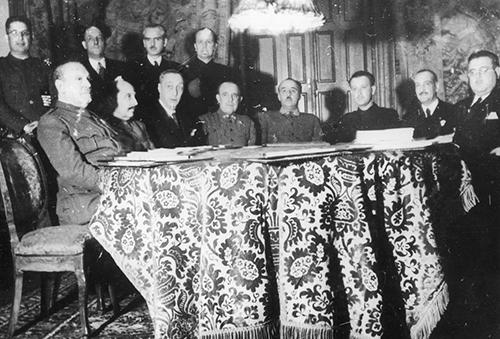 Juan-Antonio-Suanzes-1938-Primer-Gobierno-Nacional-como-Ministro-de-Industria-y-Comercio.jpg