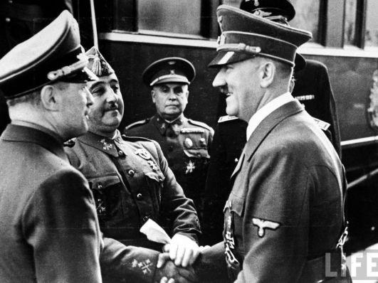 Historia-Francisco_Franco-Personajes_historicos-Adolf_Hitler-Alemania-Racismo-Politica-Nazismo-Actualidad_78002350_154111_1706x1280