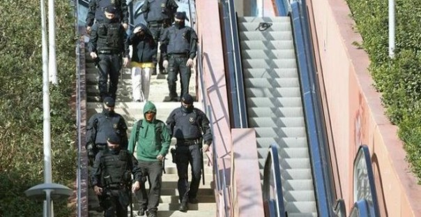 Público, Mossos, detenidos