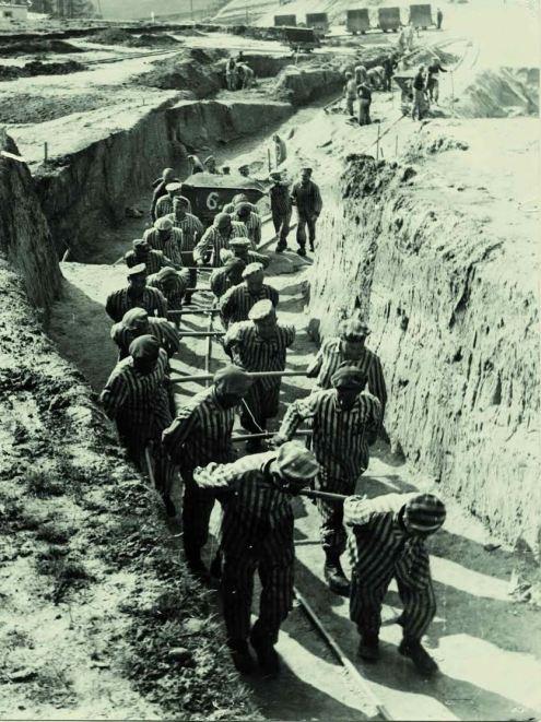 presos_cantera_Mauthausen Legado de Boix pertenece a Benito Bermejo