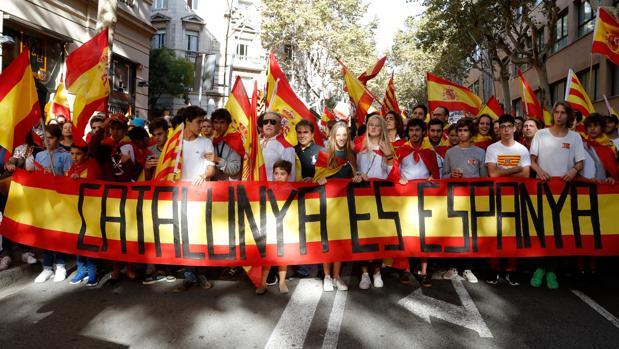 manifestacion-ssc-unidad-espana-bacerlona-independentismo-2-kuhC--620x349@abc.jpg