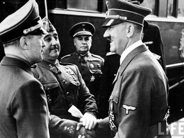 Historia-Francisco_Franco-Personajes_historicos-Adolf_Hitler-Alemania-Racismo-Politica-Nazismo-Actualidad_78002350_154112_854x640